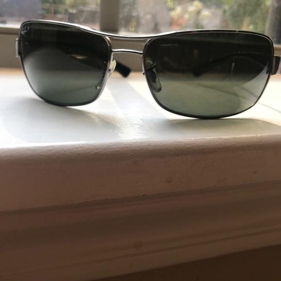8987b313865 Ray-Ban 3379 Polarized Sunglasses. M 5b206bdc619745247e62217d